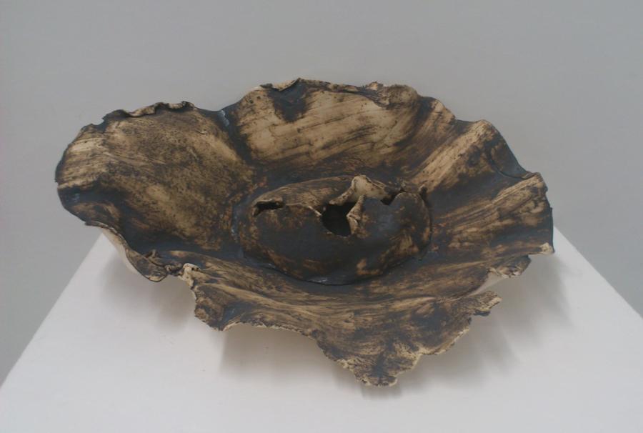 cocon keramiek als gevulde schaal