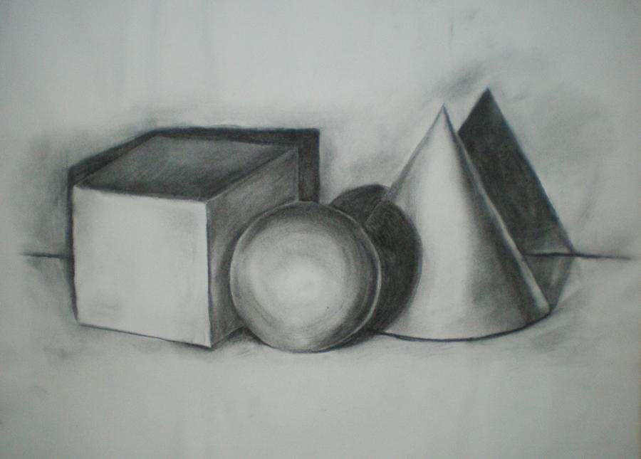 studie 2 geometrische vormen kubus bol en kegel, houtskool op papier